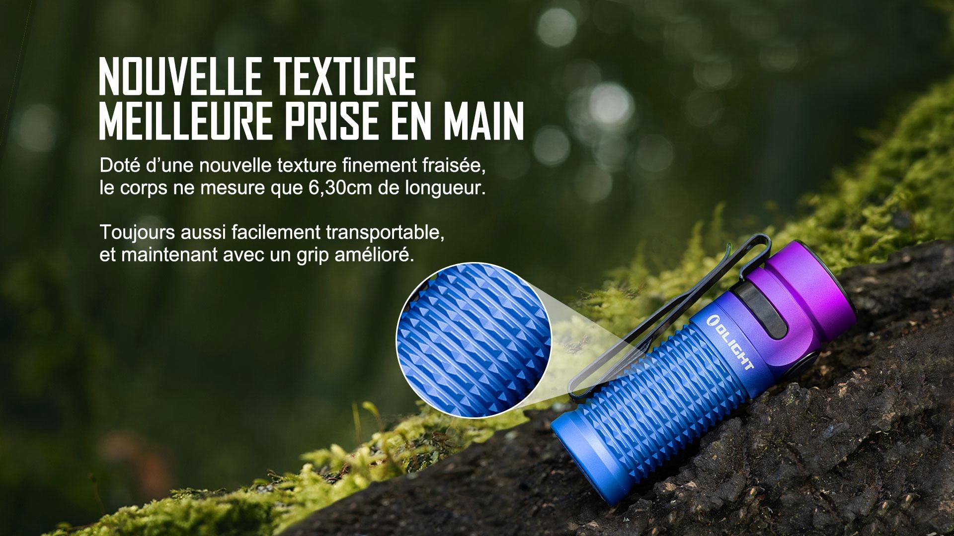 lampe de poche a une texture et prise en main délicates et exquises
